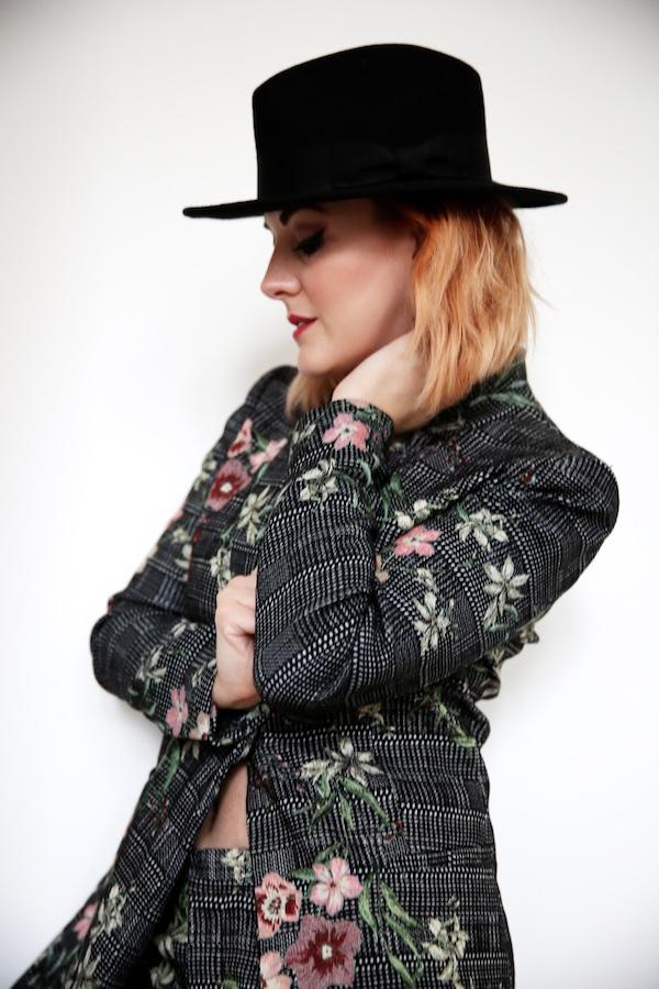 Lucie Loves Fashion 2042.jpg