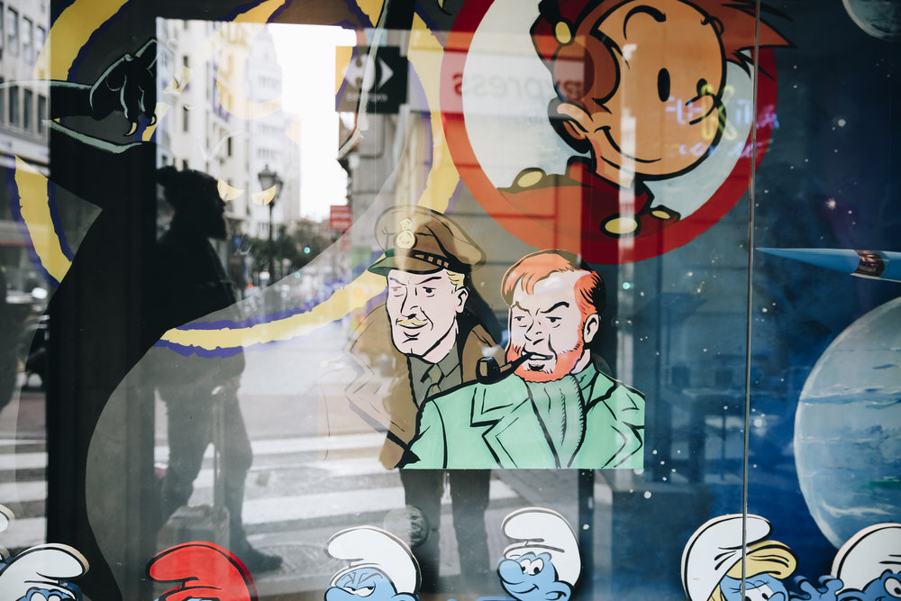 Tin Tin and The Smurfs window art, Madrid