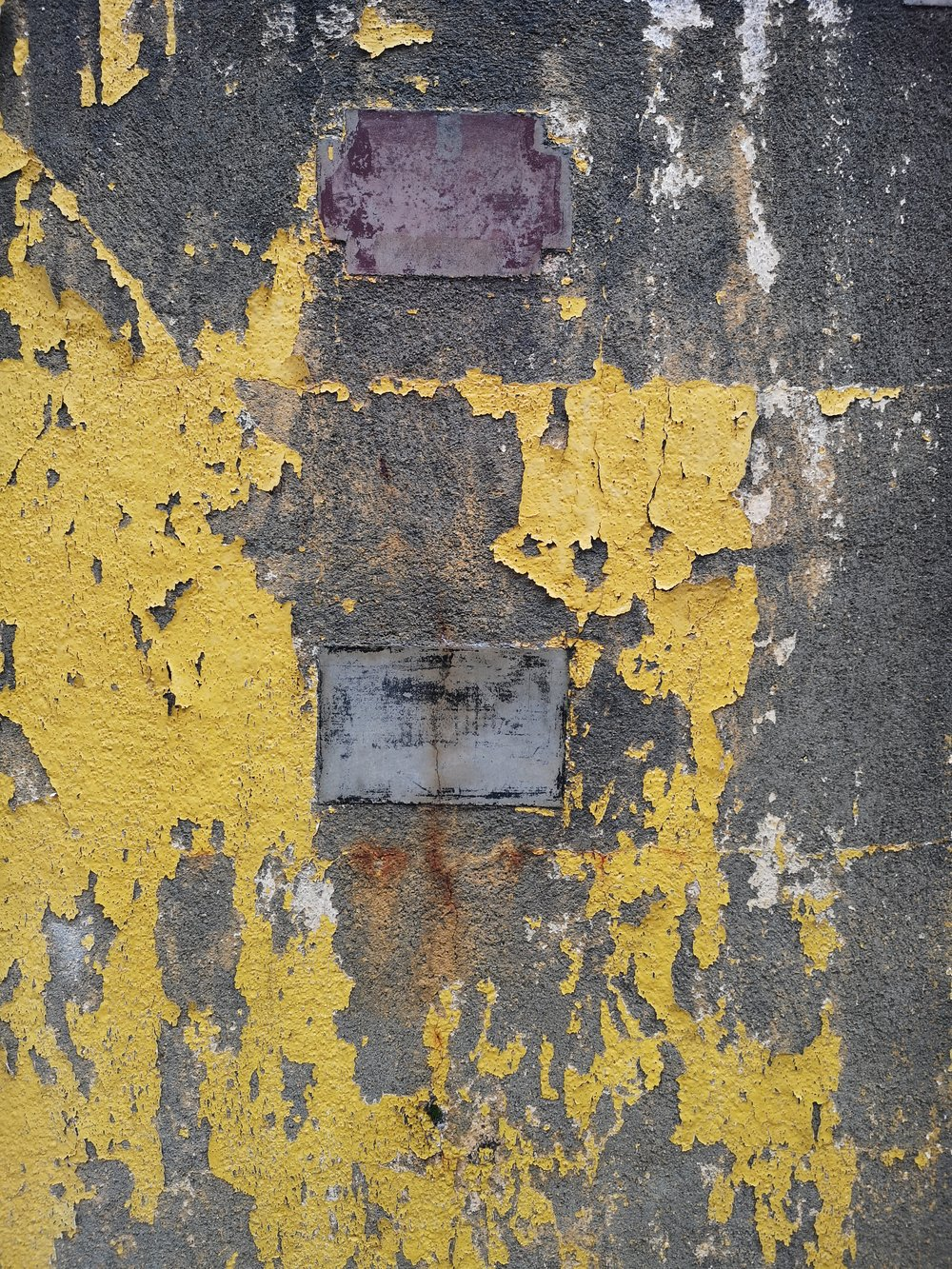 Details peeling paint Paul Mas Winery