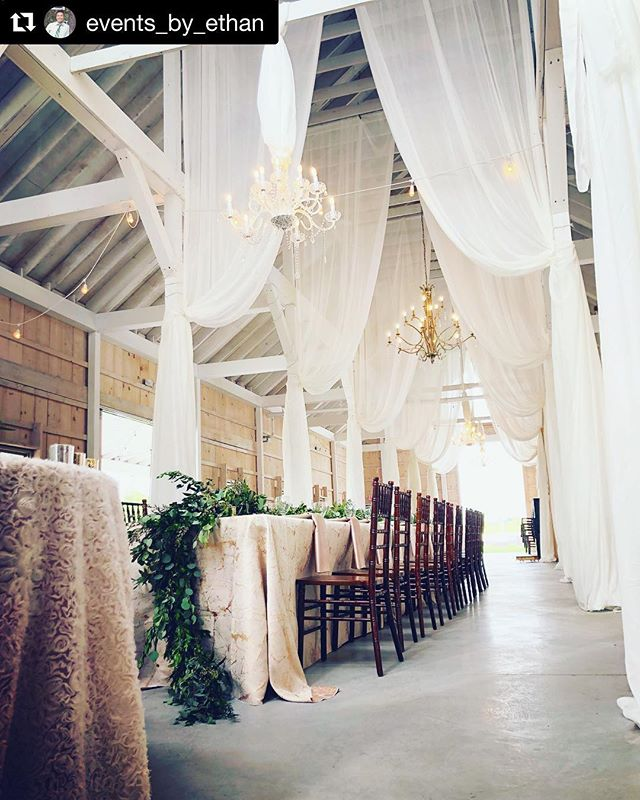 #Repost @events_by_ethan with @get_repost ・・・ Barn wedding goals! #eventsbyethan #kylanbarn #nationalweddingplanningday #barnweddings #easternshoremd #drapes #florals #greens #details
