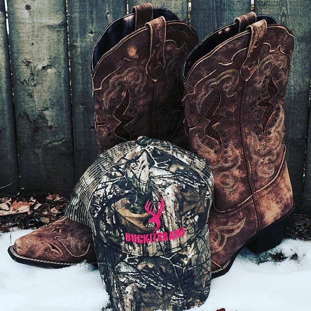 Would you wear this hat?  Get your own women's camo hat at www.buckitbrand.com #BUCKITBRAND#pinkandcamo#winter#bootsnotforsale
