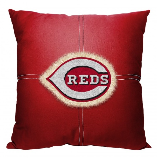 mlb_142_reds_letterman_pillow_sku_1mlb142000007ret_upc_087918218482.jpg