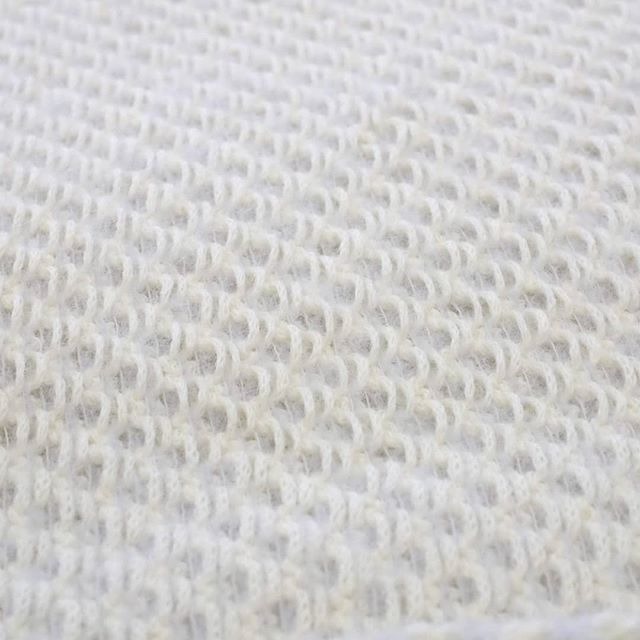 Detail of this wonderfull Valentina scarf.  #knitting #handmadeknitwear #alpaca #scarf #weddingscarf #soft #bridalcoverup