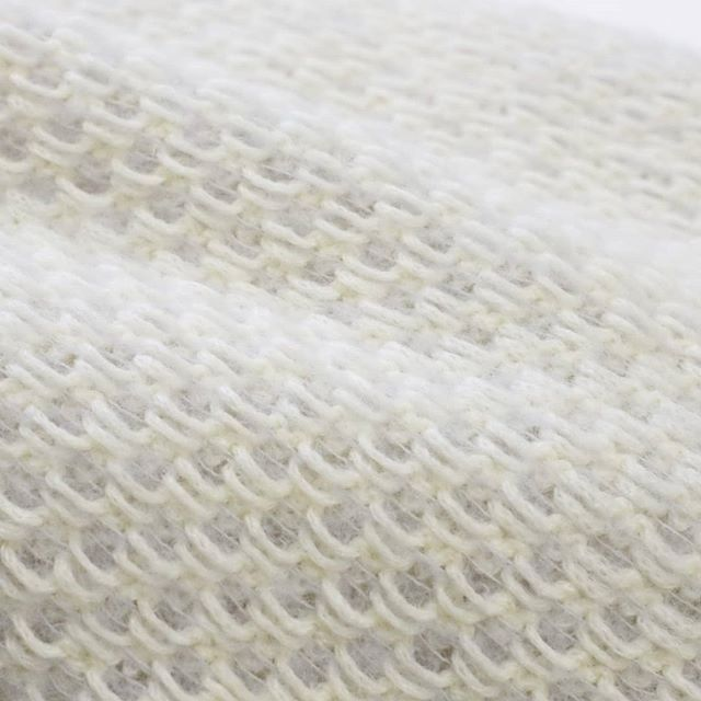 Detail of a super soft scarf in 100% Alpaca.  #weddingscarf #weddingdress #knit #knitstagram #bridalcoverup #keepsyouwarm #handmadeknitwear #naturalfibers #alpacayarn