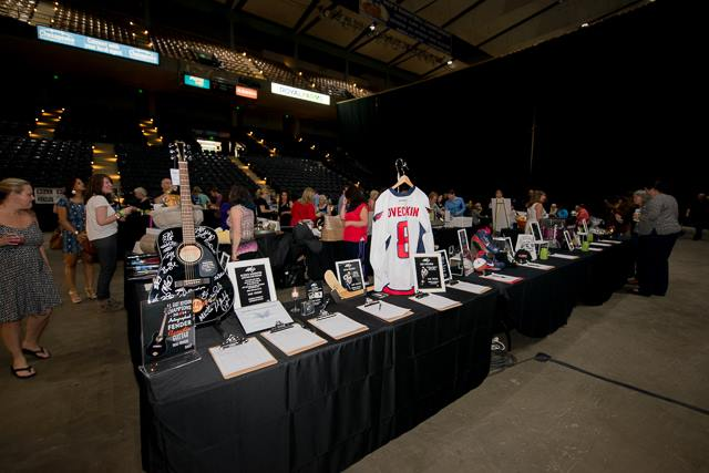 silent auction 2.jpg