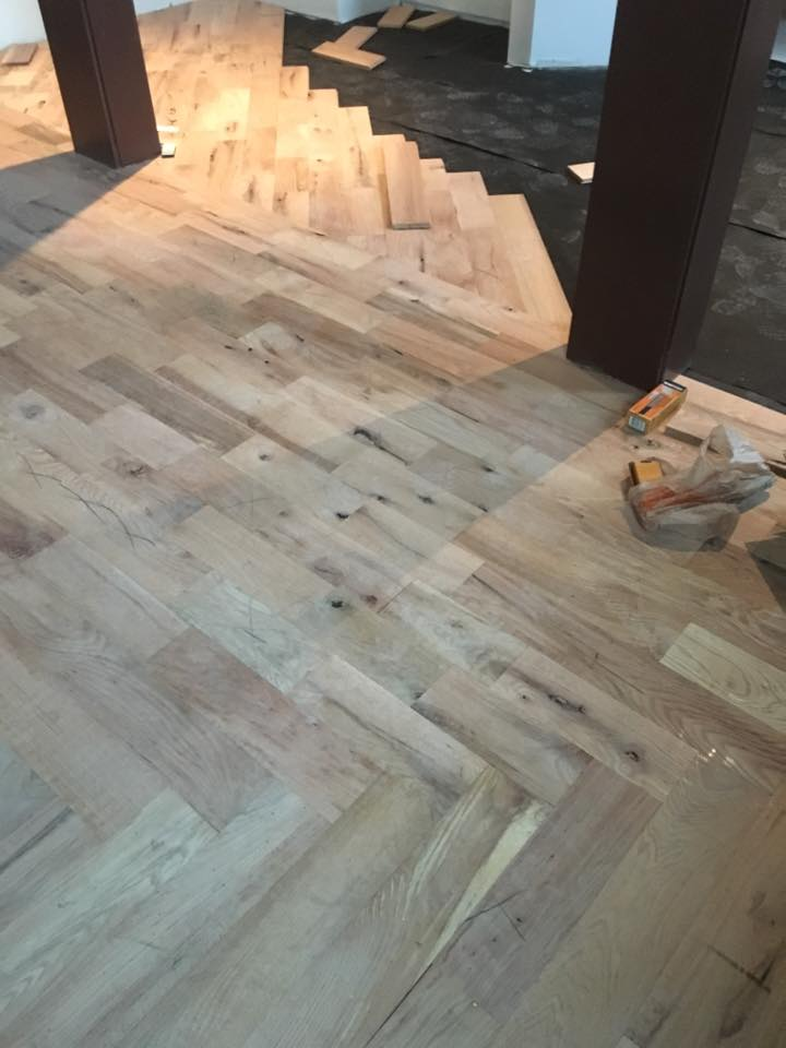 wood flooring ceniza