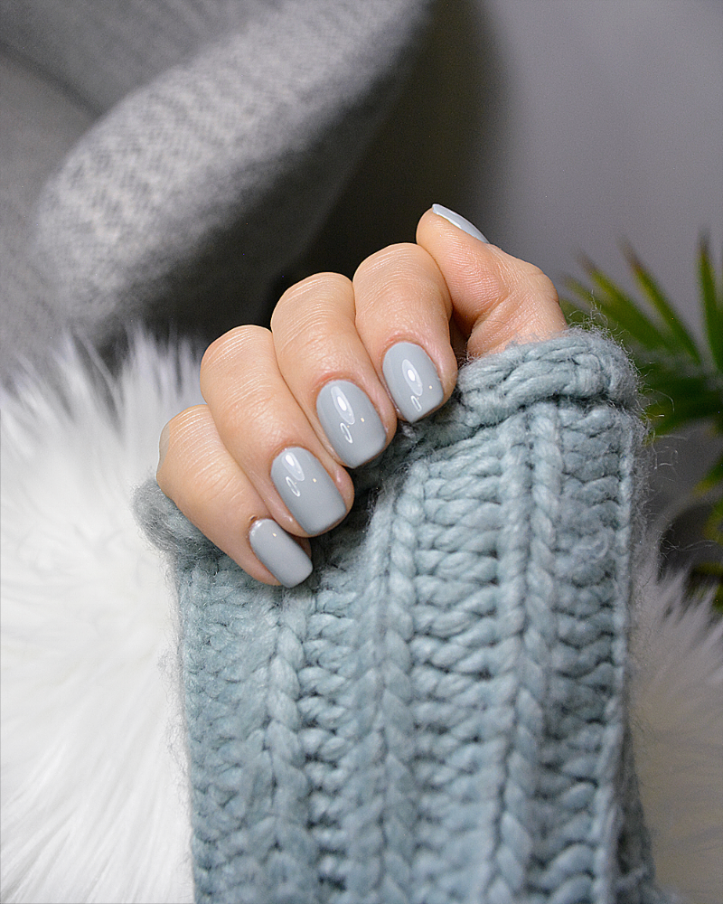 When your polish matches your sweater perfectly + that shine!