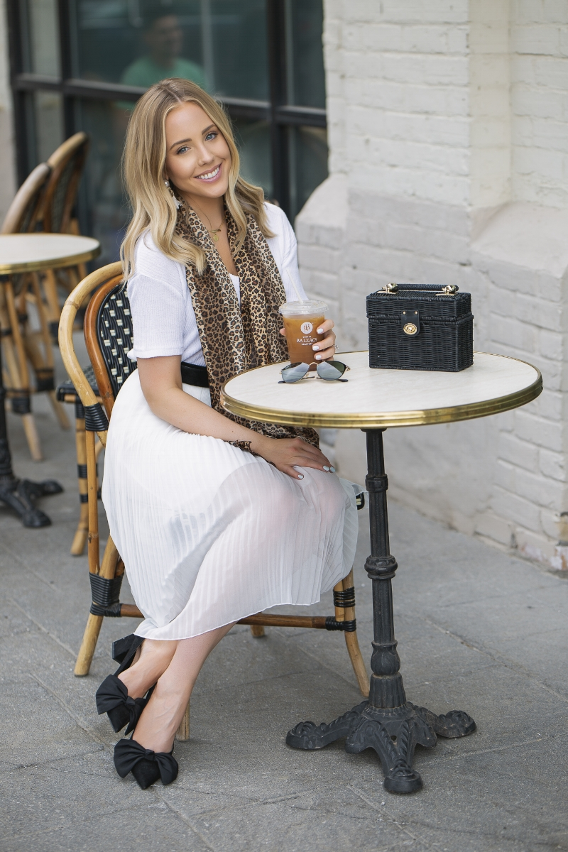 white-pleated-zara-skirt.jpg