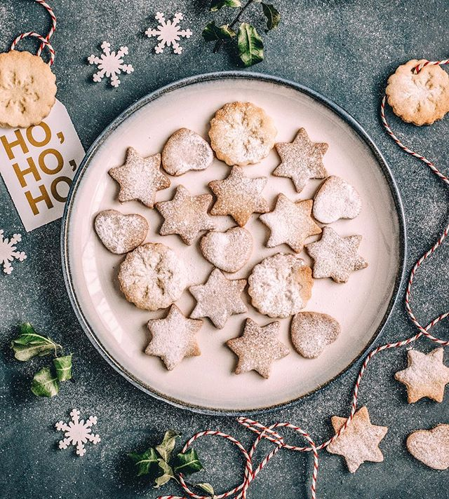 Okay friends, we are having our annual Christmas cookie debate, which cookies will we bake this year? 🍪 I'm definitely lacking some inspiration, so will you help a sister out? 🤷🏼‍♀️ What is your favorite Christmas cookie recipe?