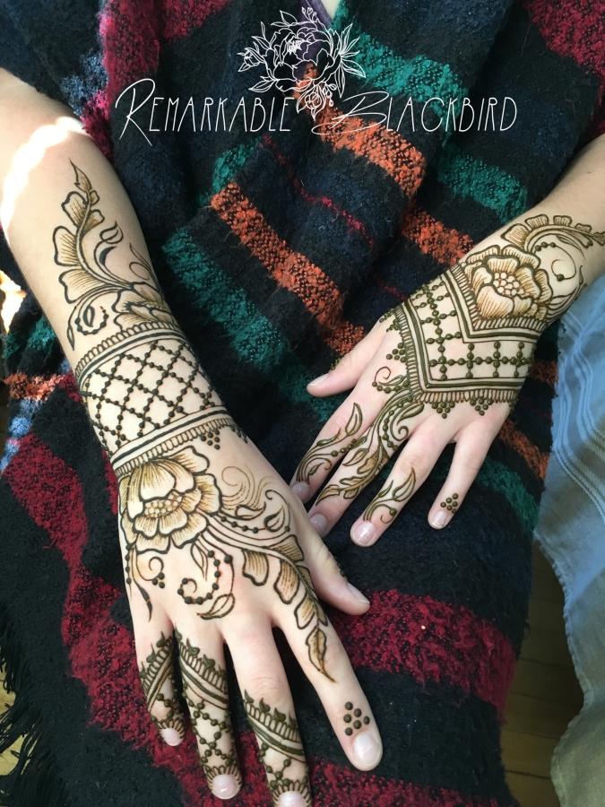 Pretty bridal hands