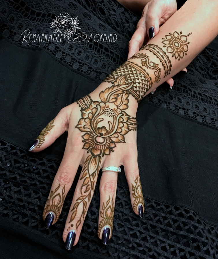 Gothic henna hand