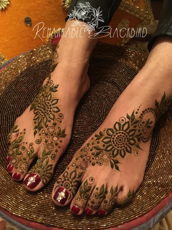 Khaleeji feet henna