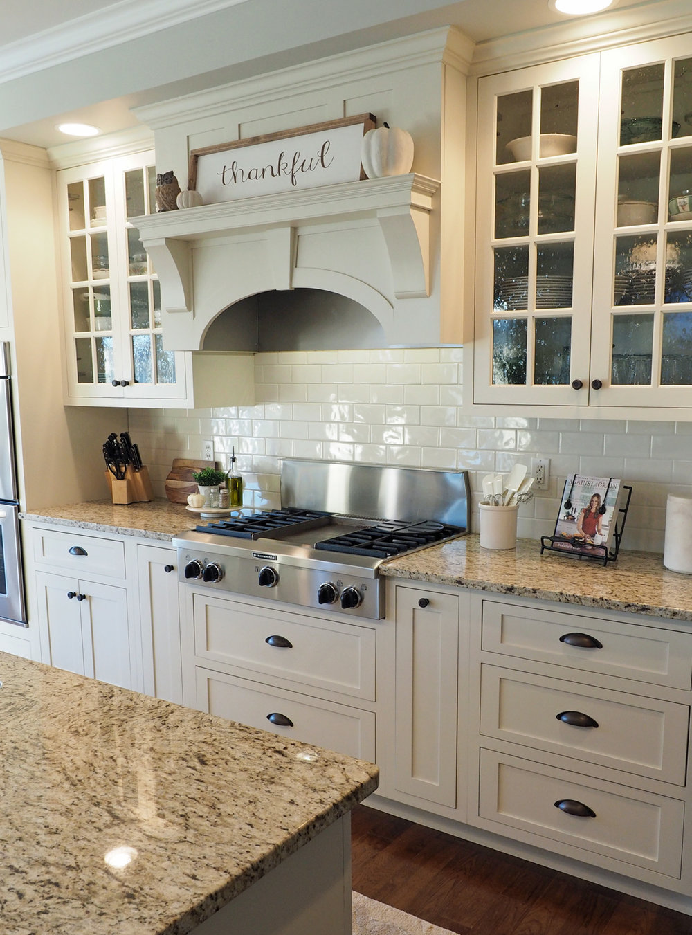 I may have left out a few cleaning details like taking a sharp knife and a cleaning cloth to all the crevices surrounding the cooktop and burners but hey, we'll save that for another post!