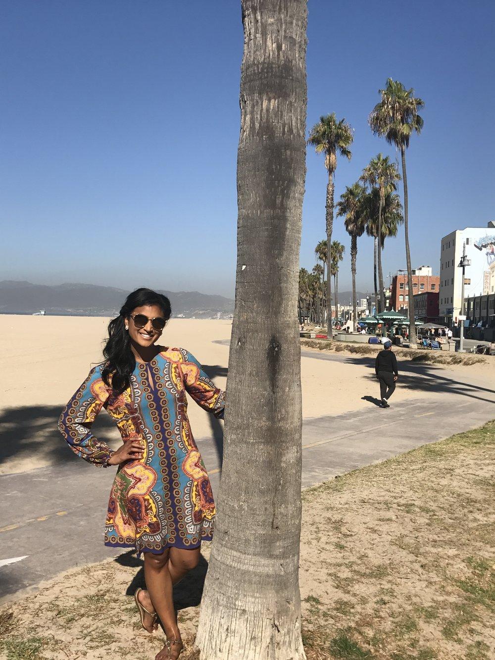 Dress: HaleBob | Sunnies: $10 found at Santa Monica street shopping 😎