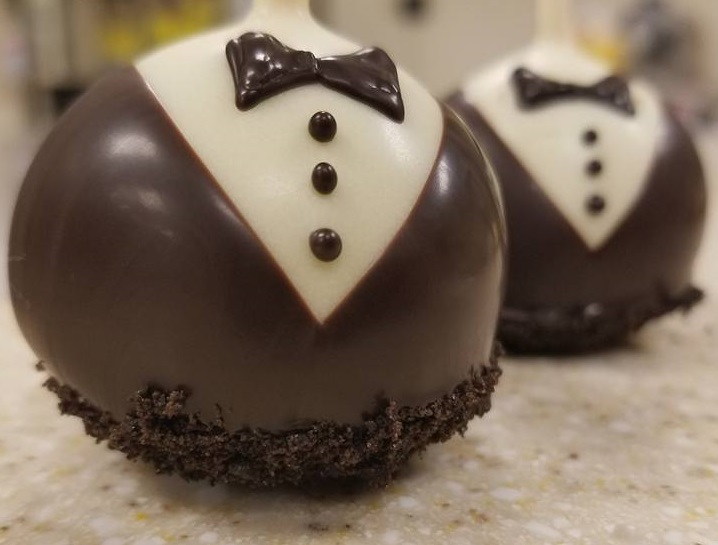 wedding cake pops.jpg