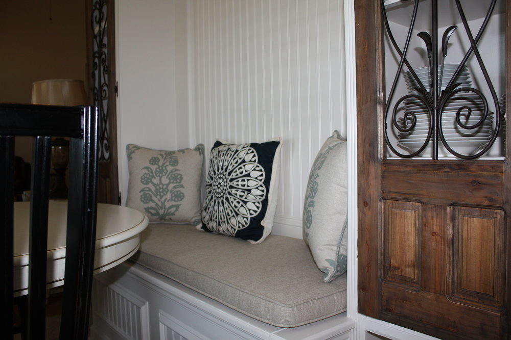 Box cushion and the two corner pillows were fabricated by Complimentary Designs.