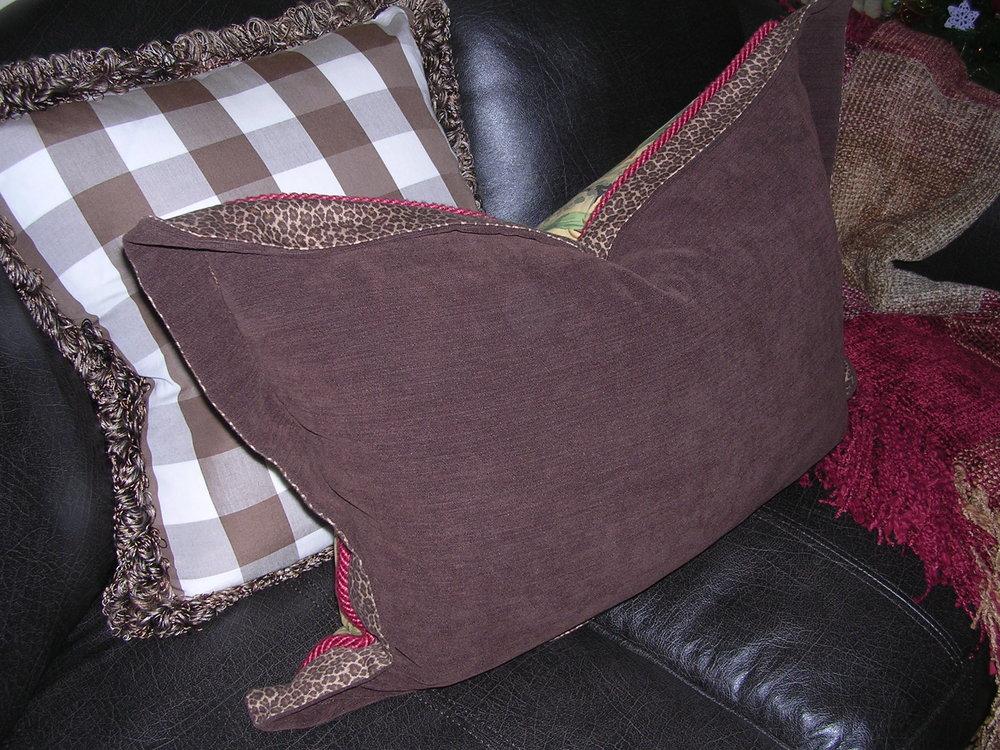 Molitor Bird pillow back.JPG