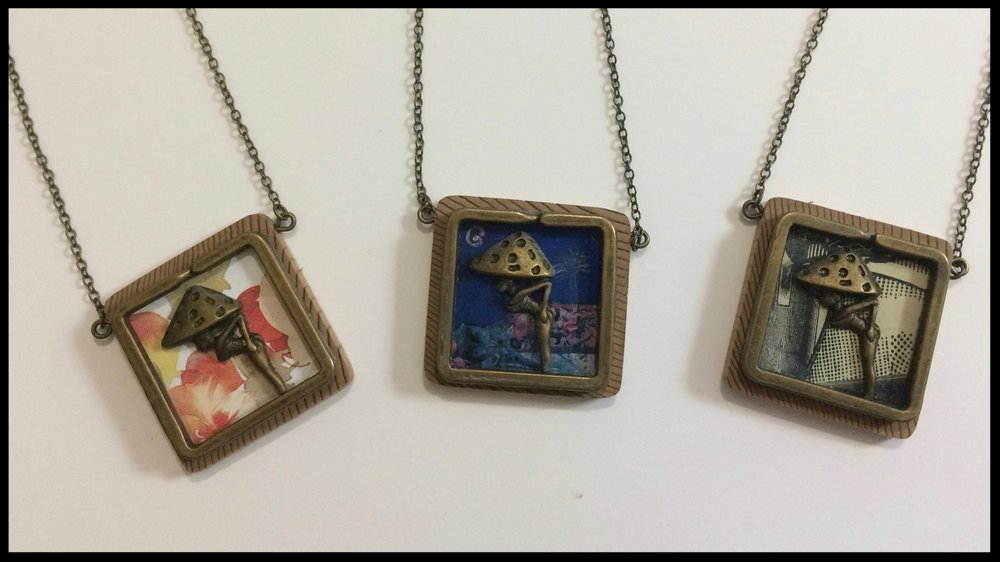 Woman - Tin, metal and wood necklaces