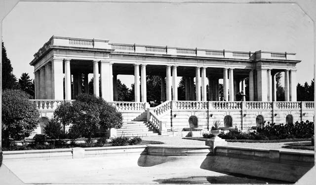 Cheesman Park courtesy of the Denver Library.