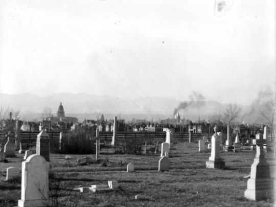 A peek at Cheesman Park when it was a cemetery. Photo courtesy of Denver Library.