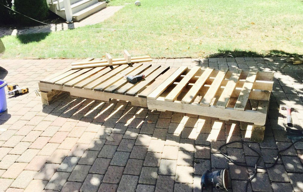 palet daybed step 1