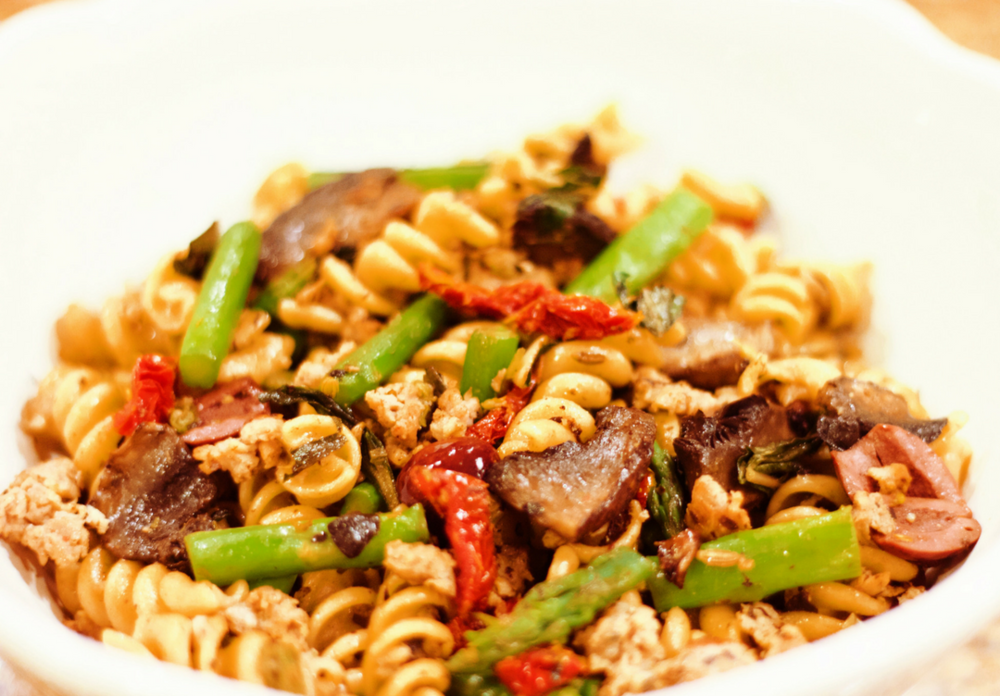 Quick and Healthy Mediterranean Pasta www.cardiocoffeeandkale.com