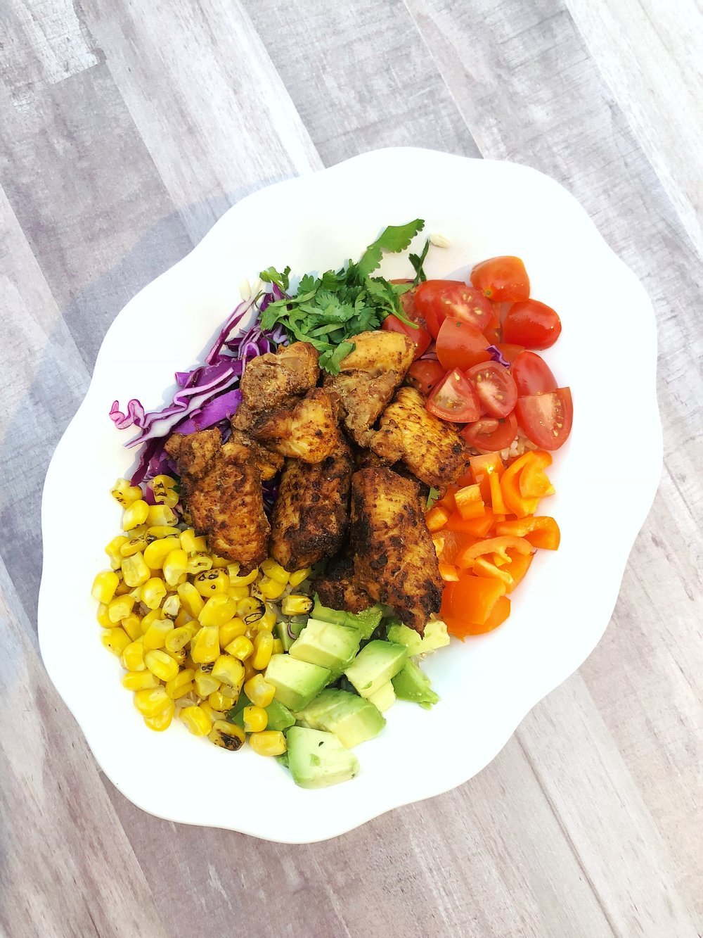 Yummy Chicken and Veggie Protein Bowls!  https://www.cardiocoffeeandkale.com/home/2018/4/11/delicious-chicken-and-veggie-bowl cardiocoffeeandkale.com