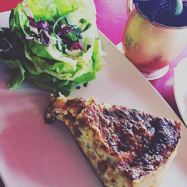 Nothing like quiche made from scratch the French way!🇫🇷 . . . . . #fashionblogger #lifestyle #expofilm #portraitmood #portrait_shots #portraitpage #portraitsociety #makeportraits #agameofthrones #featuremyworld #ftwotw #ftmeed #bohemianstyle #boho #photo #redlips #photography #lipstick #bohostyle #blogger #anthropology #fblogger #FASHIONDESIGN #fashion #beauty