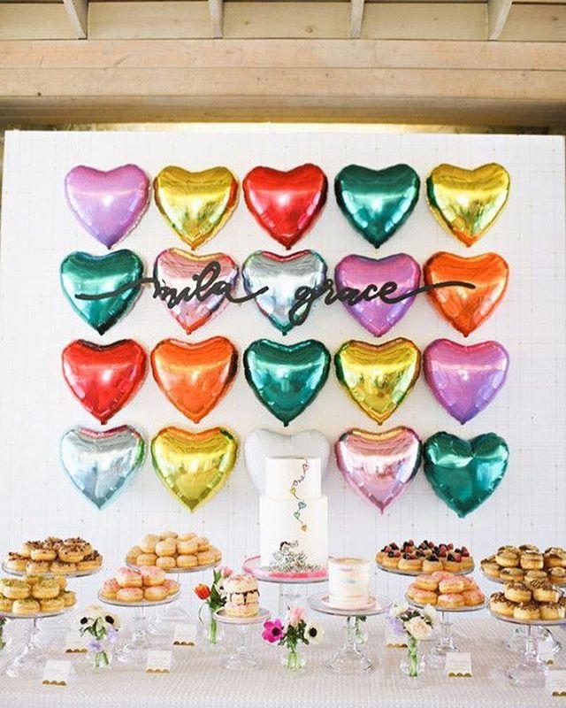 Balloon walls - easy, inexpensive, and literally gorg 🎈❤️ // @adriennegunde @wilmarose @modestpeach