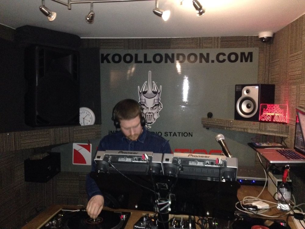 On the airways, Koollondon.com.