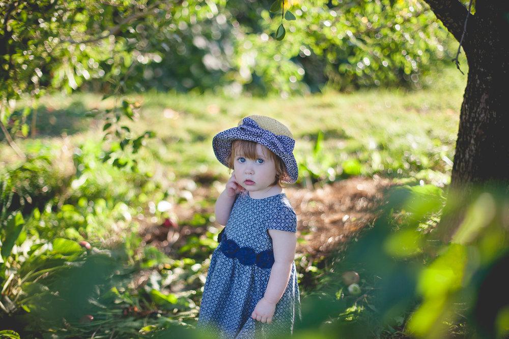 Pommes-Anna16mois_laetitiaphotographe-286-2.jpg