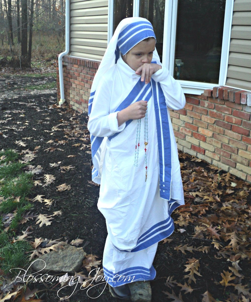 Mother+Teresa+costume+2.jpg