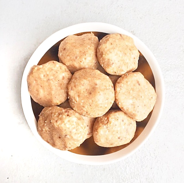 Coconut Fat Balls