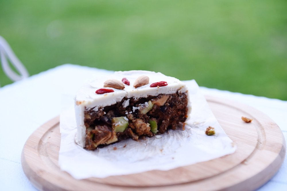seasonal delights - raw vegan Christmas cake