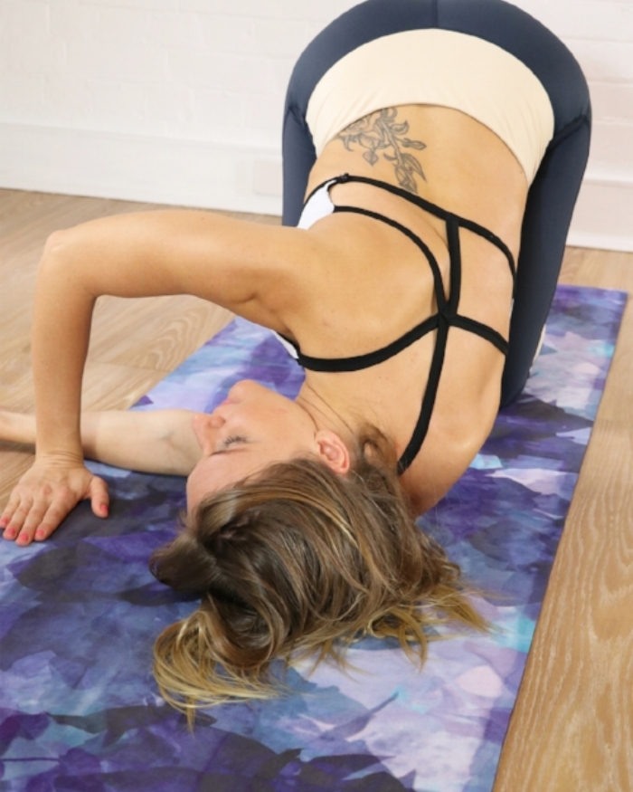 Liana Hudson: Barre Body. Yoga Mat: Violet