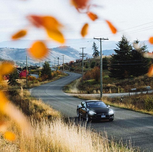 It's a beautiful, sunny fall day in the #OkanaganValley. Who wants to go for a cruise in a Tesla? 🍂🍁#Teslalife #Explorevernon #VernonBC #kelownaliving #Tesla #keepexploring @vernontourism  Photo Credit: @fieldandforest