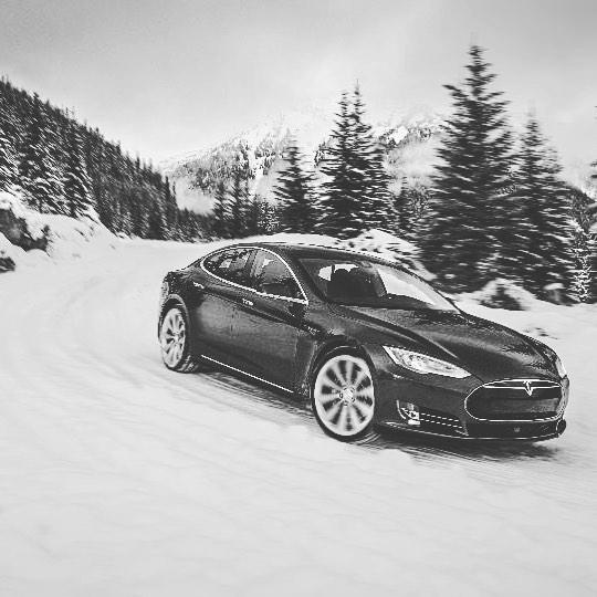 Winter drives 👌🏼🎄 #ExploreBC #explorevernon #explorekelowna #Kelownabc #rockiemountains #keepexploring #teslalife #route97 #tesla #rentatesla