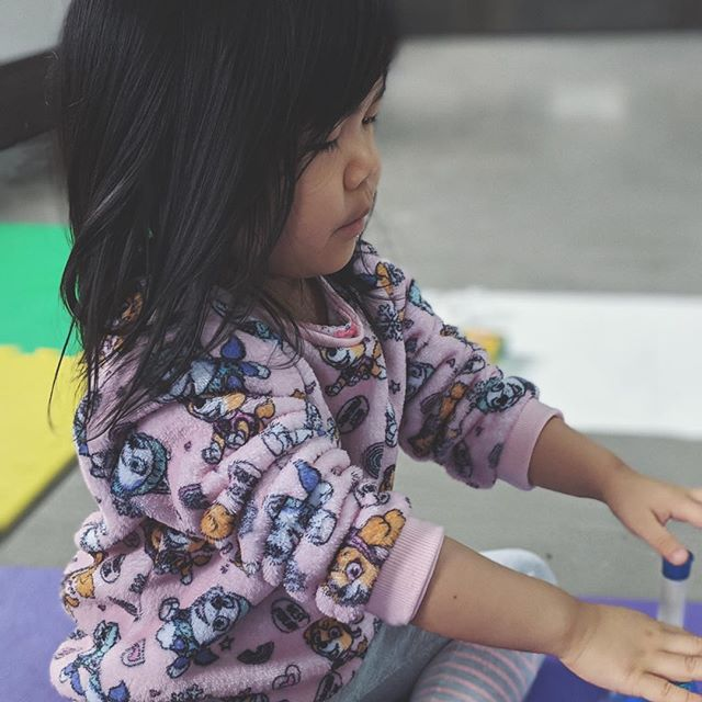 Through singing and making music with others, children can express and learn self-regulation skills in order to promote relaxation and calmness. ⠀⠀ ··⠀⠀⠀ @mycoachraquel and I are so excited for Tater Tots N' Tunes✨ where we will be doing some music & mindfulness activites 🎶🙌🏻⠀⠀ ··⠀⠀⠀ June and July registration are now open DM for more information 📨 ⠀⠀ Suitable for ages 3-5 of all abilities.⠀ .⠀⠀⠀ .⠀⠀⠀ .⠀⠀⠀ #musictherapy #musicandhealth #nutrition #sensoryplay #learningthroughplay #mindfulness #inclusion #diversity #neurodiversity #abatonintegrativemedicine #abaton #abatonim #haltonhealth #downtownoakville #oakvillemoms #oakvilledads #oakvilleparent⠀