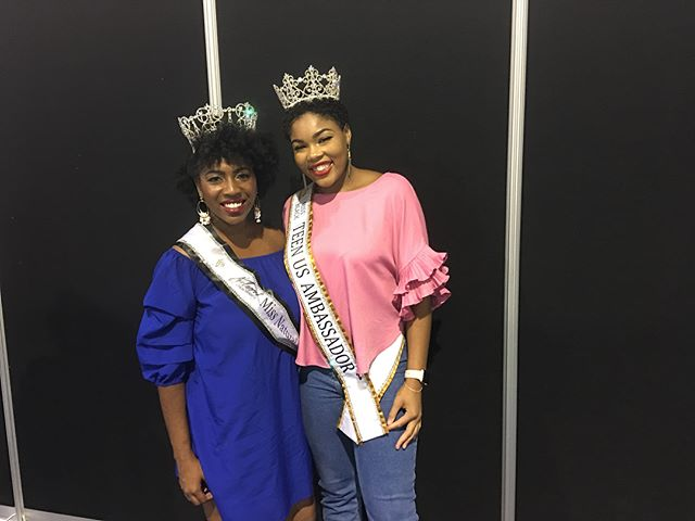 I had the pleasure of seeing my client, Ciara White-Sparks, who is the reigning Miss Black Teen US Ambassador. She is such an incredible example of girl power, beauty, and class. Her successor has large shoes to fill! @c.whitesparks @mbtusam_pageant @mbusam_pageant #wearyourcrown101 #wearyourcrown #pageantqueen #pageantgirls #queen #crown #crownchasersacademy #missnaturalhairandhealthexpobeauty #missnhhe #pagenatcoach #queening