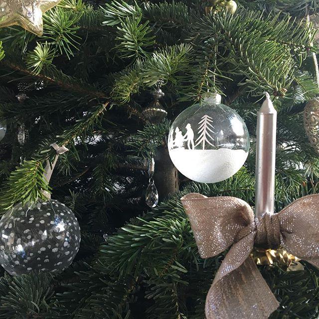 Frohe Weihnachten! Joyeux Noël! Merry Christmas! #frenchstyle #frenchcountrystyle #christmasdecorations #igersvienna #viennablogger