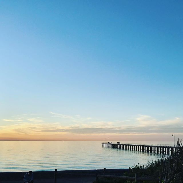 Happy Friyay! Looking forward to spending our weekend at the beach 💚 - - - #workandplay #happiness #healthylife #fridayvibes #morningtonpeninsula #thrive #familylife #health #dromana #igersmelbourne #ilovemelbourne #sunsets