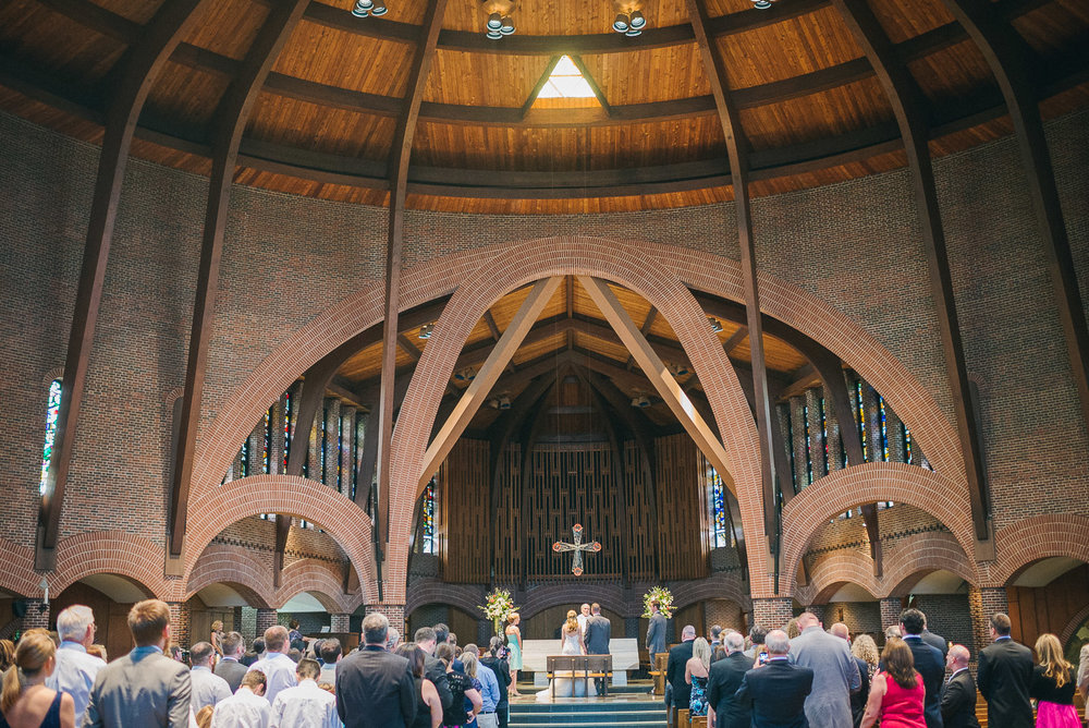 NH Wedding Photographer: wide angle of ceremony