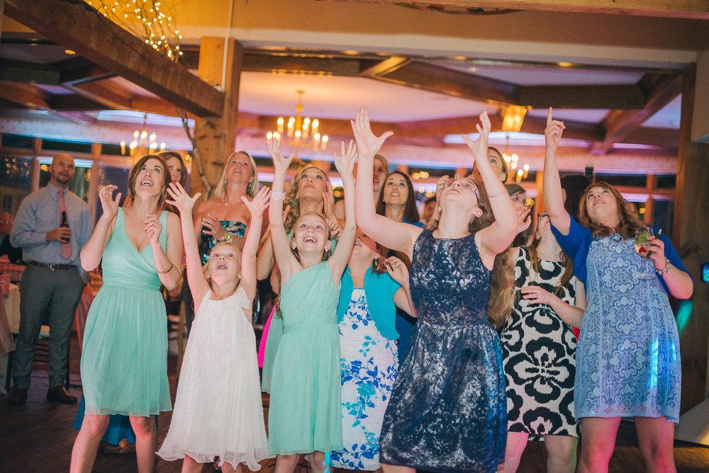NH Wedding Photographer: bouquet toss