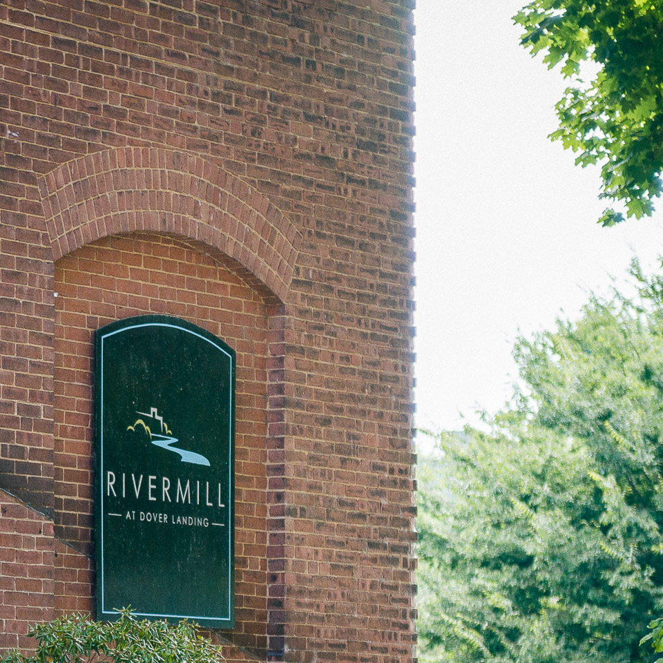 NH Wedding Photographer: Rivermill at Dover Landing