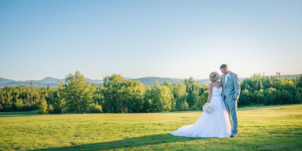 NH Wedding Photographer: beautiful landscape with newlyweds