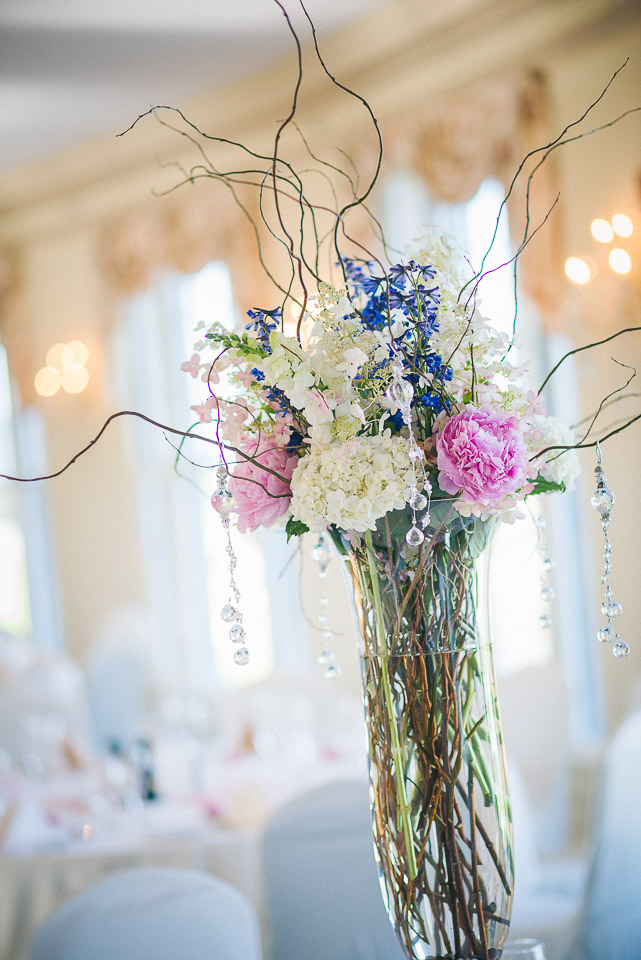 NH Wedding Photographer: center piece flower arrangement
