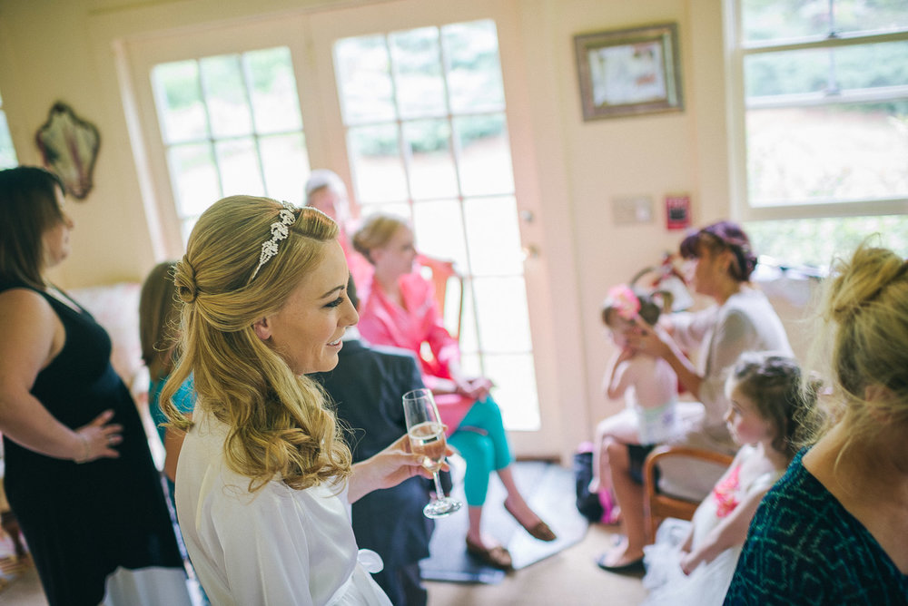 NH Wedding Photography: bride and bridesmaids getting ready