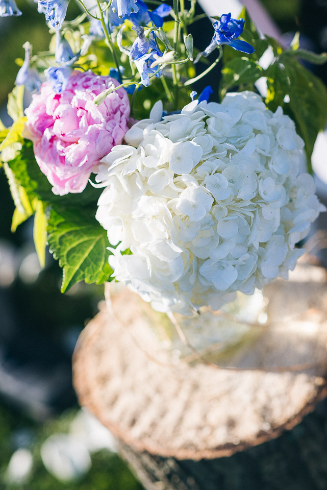 NH Wedding Photography: flower detail at ceremony