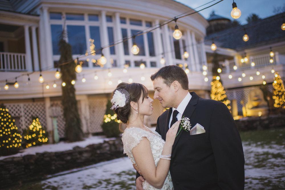 NH Wedding Photographer: Bedford Village Inn winter lights