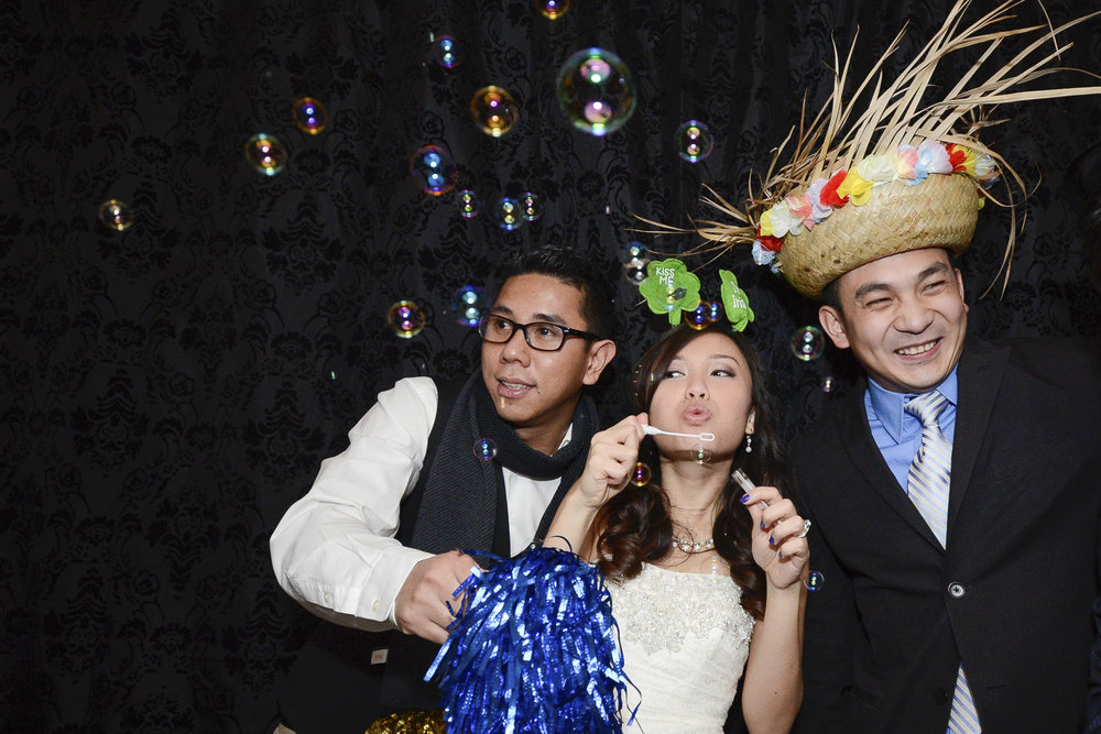 NH Photo Booth: Bride and Groom with friends